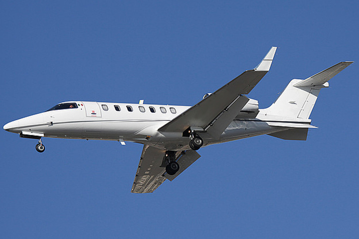 Private Light Jet Lear 40/XR Exterior