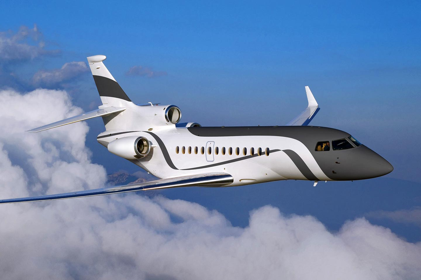 Private Charter Heavy Jet (Long Range) Falcon 7X