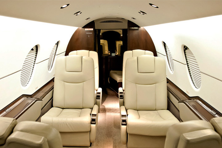 Private Light Jet Beechjet 400 Interior