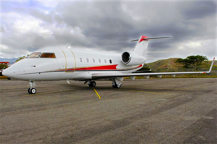 Private Charter Heavy Jet Challenger 600