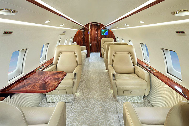Private Heavy Jet Challenger 601 Interior