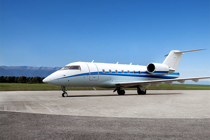 Private Charter Heavy Jet Challenger 604