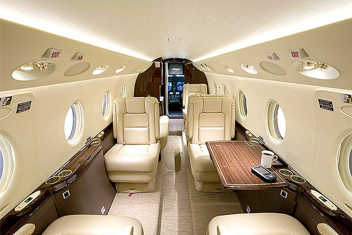 Private Mid Size Jet Gulfstream 100 Interior