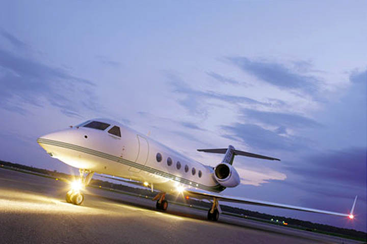Private Charter Heavy Jet (Long Range) Gulfstream 550