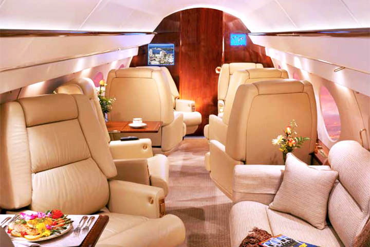 Private Heavy Jet Gulfstream III Interior