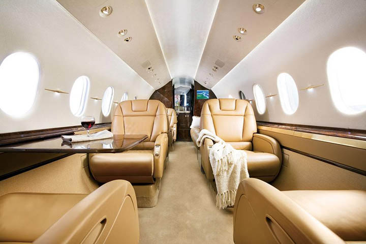 Private Super Mid Size Jet Hawker 4000 Interior