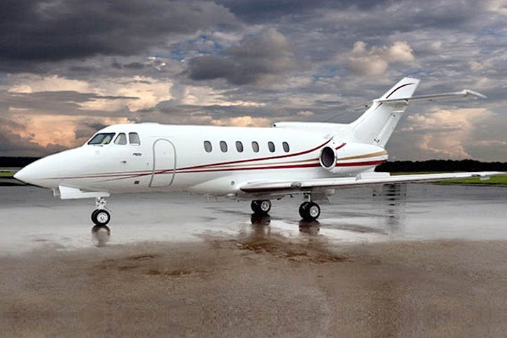 Private Charter Mid Size Jet Hawker 750