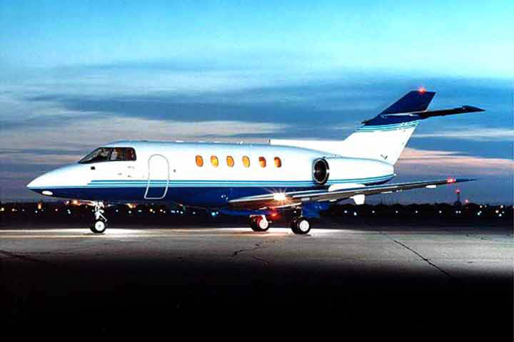 Private Charter Mid Size Jet Hawker 800