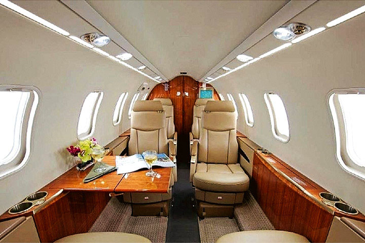 Private Light Jet Lear 40/XR Interior