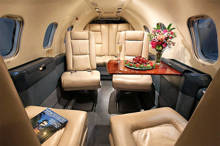 Private Light Jet Lear 35 Interior