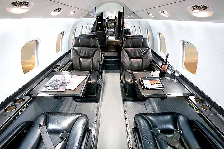 Private Mid Size Jet Lear 60/XR Interior