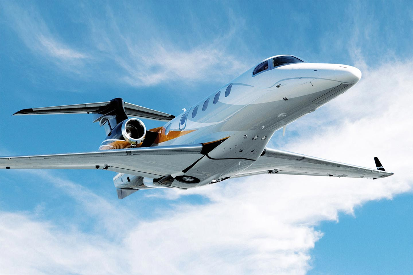 Private Charter Light Jet Phenom 300