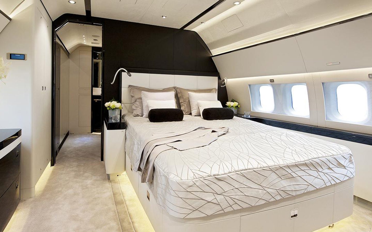 Jet Airliners with Beds