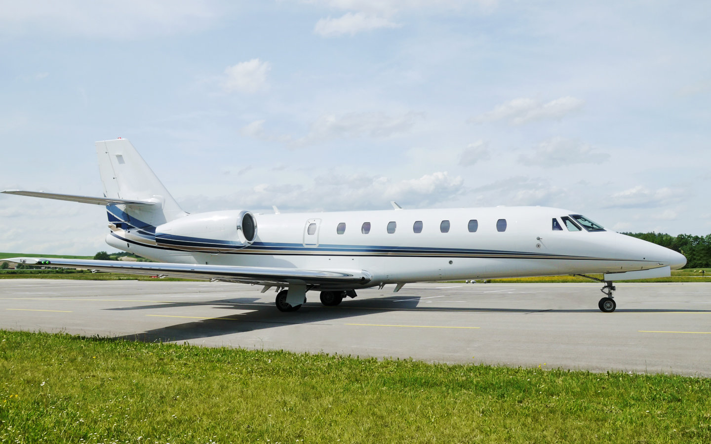 Privé Jets Featured on Around the World