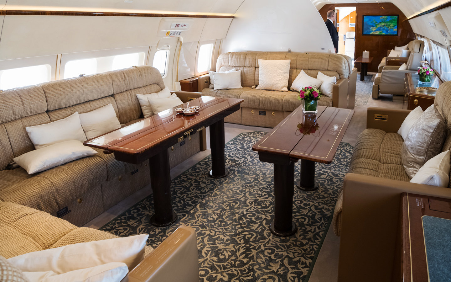 Privé Jets Featured on Travel Talk Radio